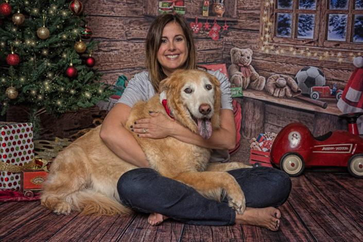 Christmas Golden Retriever & Happy Mom